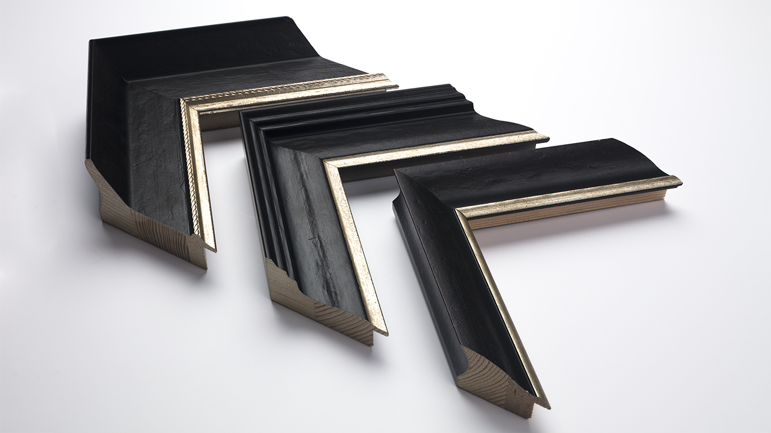 75mm large/60mm medium/40mm sloped with gold trim
